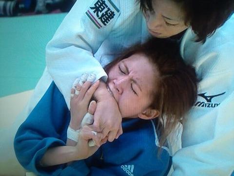柔道グラントスラム女子63キロ準決勝で相手を噛む糞チョン