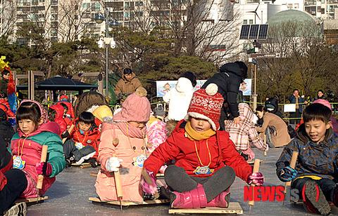 どいつもみんな不幸そうな屑バ韓国塵の餓鬼ども