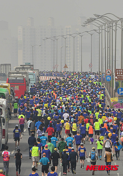 発がん物質の中、マラソンするキチガイバ韓国塵ども