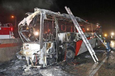 10匹の屑チョンが焼け死んだバス火災