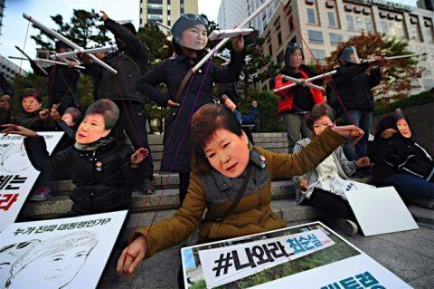 チェ・スンシルとパククネ婆のおかげでバ韓国崩壊が近づく