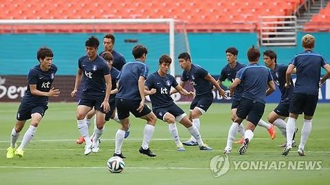 どこの国からも相手にされていないバ韓国サッカー代表チーム