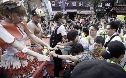 バ韓国塵全匹が同性愛者になれっ!