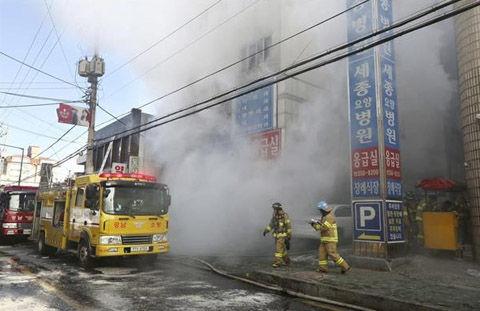 バ韓国・病院火災で31匹死亡
