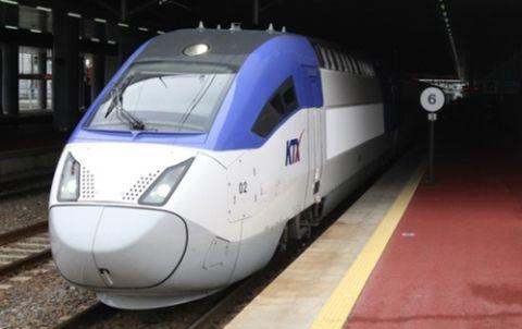 ツリ目でエラ張り! バ韓国・KORAILの列車