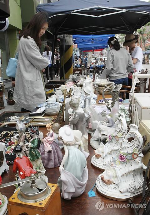 ソウルの盗品市の模様