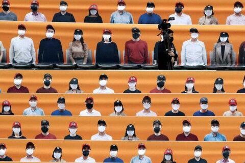 バ韓国の球場に設置された観客ボード