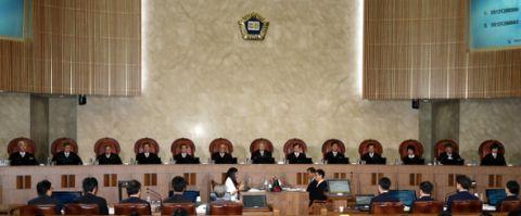 レイプ犯に無罪判決を言い渡したバ韓国の最高裁