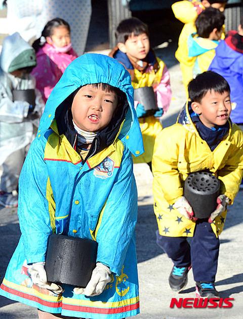 奇形児の発生率が急増中のバ韓国wwww
