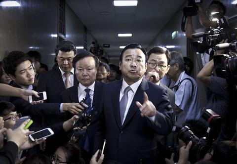 バ韓国・李完九(イ・ワング)首相
