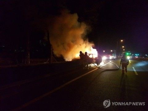 バ韓国のヒュンダイ車も突然発火