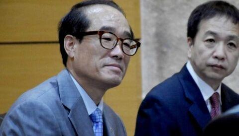 バ韓国のホモセクハラ外交官、画像左