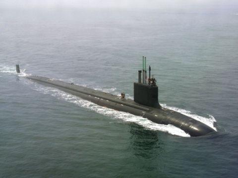 バ韓国に入港を拒絶された原子力潜水艦「バージニア」