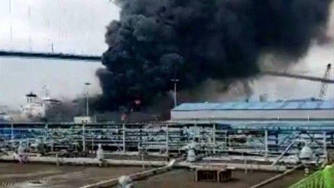 バ韓国の港で大爆発!!!!!
