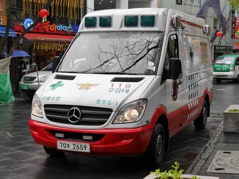 使い物にならなかったバ韓国のベンツ救急車