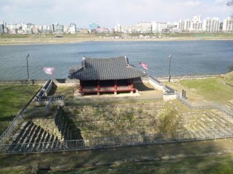 ウンコ臭漂うバ韓国の公山城