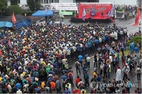 ストライキするバ韓国・現代自動車の労働者ども