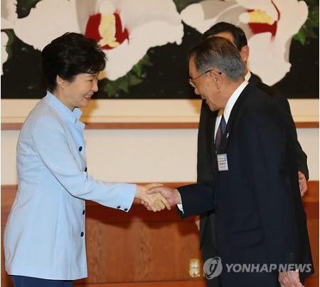 朴大統領 日韓経済協会長らと会談