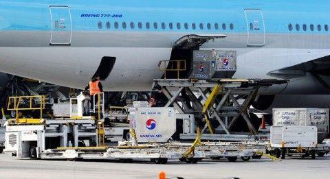 空飛ぶ棺桶のバ韓国・大韓航空機