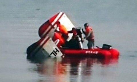 漢江に墜落したバ韓国のヘリコプター