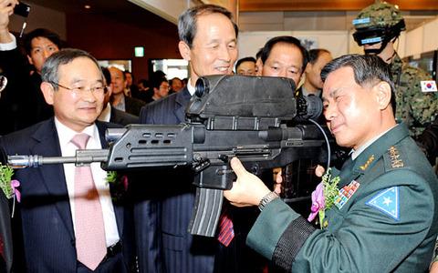 過去にも爆発事故を繰り返していたK11複合小銃