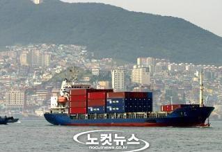 輸出の減少は、嫌韓感情の賜物ですね