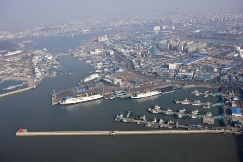 仁川の港でガス流出事故