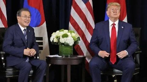 トランプに相手にされないバ韓国の文大統領
