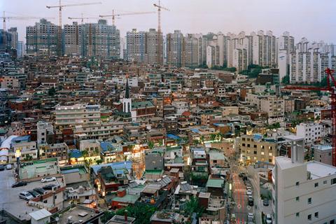 震度ゼロで崩壊間違い無し、ソウルのマンション群