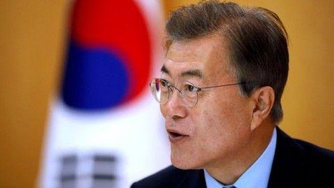 バ韓国に壊滅的ダメージを与える英雄・文大統領