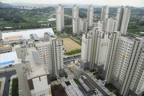 韓国塵売春婦が闊歩している仁川アジア大会の選手村