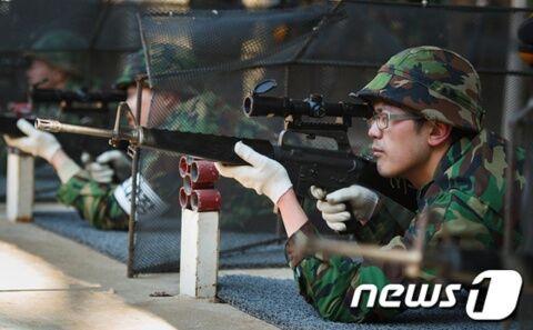 スコープの使い方も分からないバ韓国軍