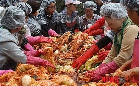 汚物の塊にしかすぎなバ韓国産キムチ