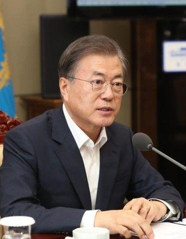 バ韓国・文大統領は国を代表するガイキチ