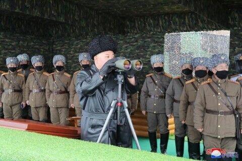 バ韓国のご機嫌をうかがう北のカリアゲデブ