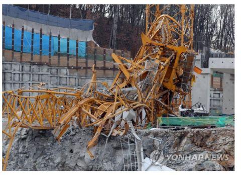 バ韓国のクレーンの強度は飴細工レベル