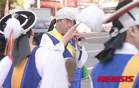 絵に描いたような朝鮮顔wwww