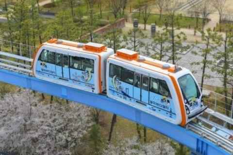 開通初日に停止したバ韓国最長のモノレール