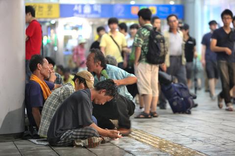 今後ますます増加するバ韓国の乞食ども