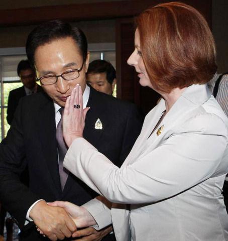 オーストラリア首相にキスを拒絶される李明博