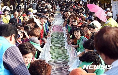長いウンコを愛するバ韓国塵ども