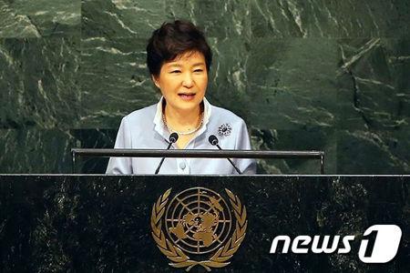 国連で物乞いする姿がお似合いのパククネ婆