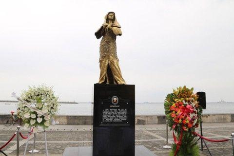 フィリピンに設置されたバ韓国の売春婦像