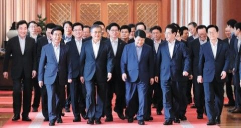 キチガイ路線まっしぐらのバ韓国文大統領