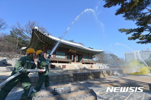 バ韓国の消火作業はお遊戯レベル