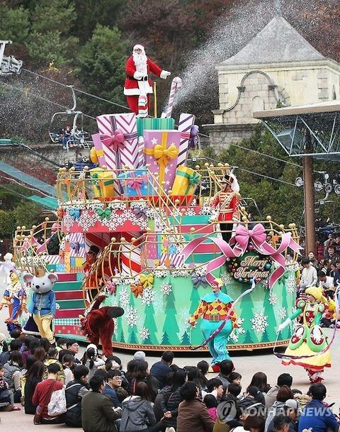 これがクリスマスパレードとはwwwwさすが低脳バ韓国