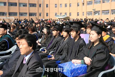大学を出ても働き口が無いバ韓国www