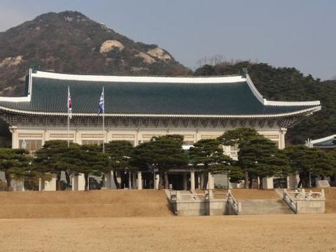 バ韓国政府関係者のスマホが北チョンに筒抜け