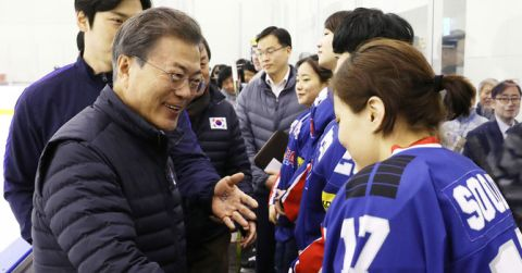 キチガイに磨きがかかるバ韓国・文在寅大統領