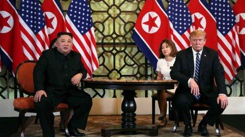 米朝首脳会談の失敗で焦るバ韓国政府